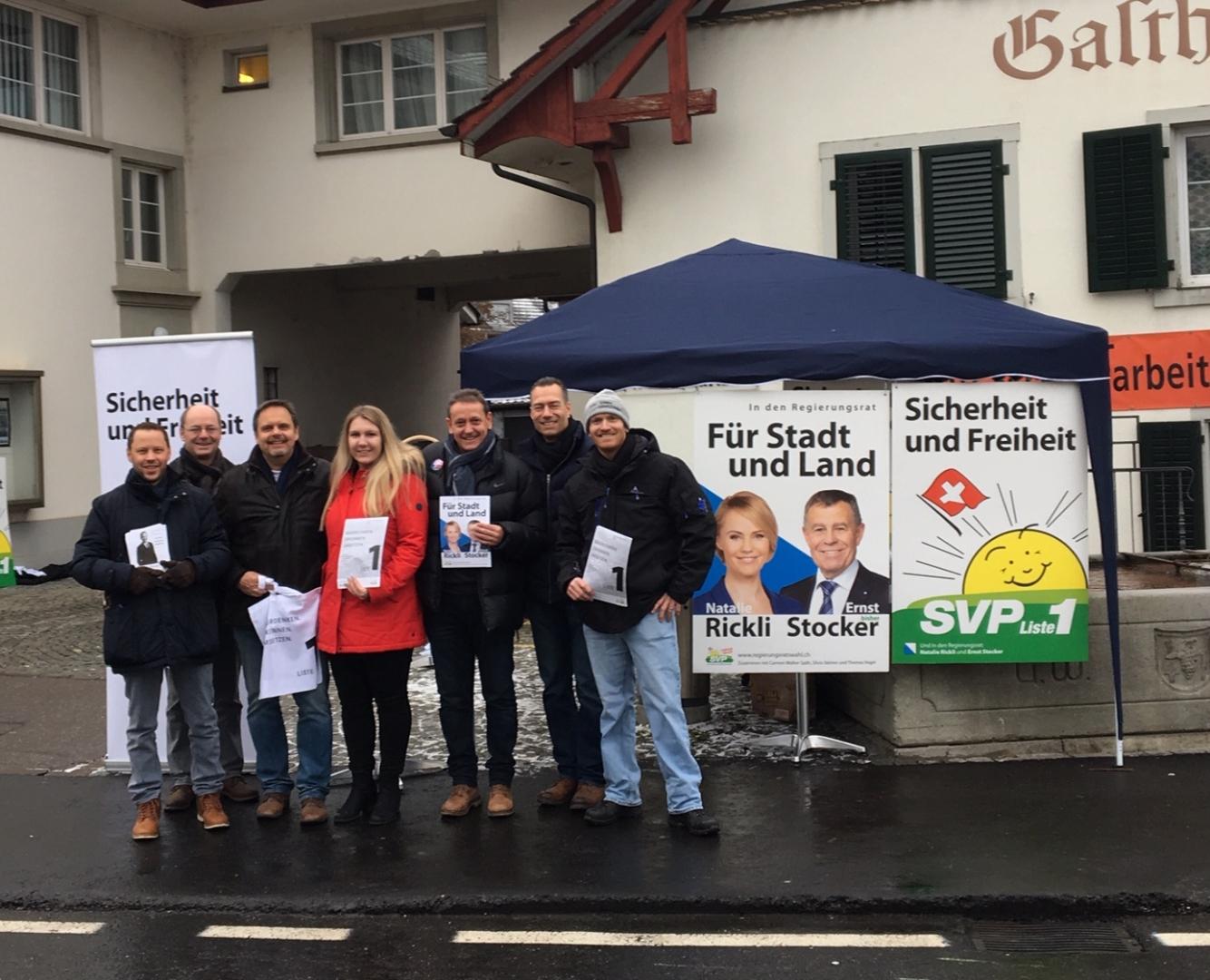 Wahlauftakt mit 1. Strassenaktion in Weiningen